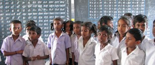 cropped-school-kids-india1